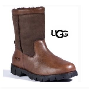 UGG Brooks 5381 Chocolate Brown Shearling Boots 9